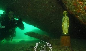 Estátua de santa é encontrada intacta no fundo do mar